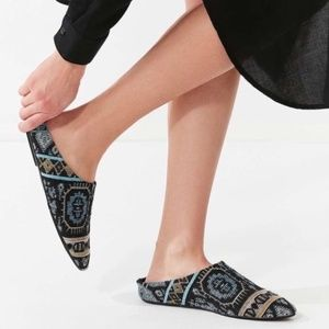 URBAN OUTFITTERS BOHO TAPESTRY MULE